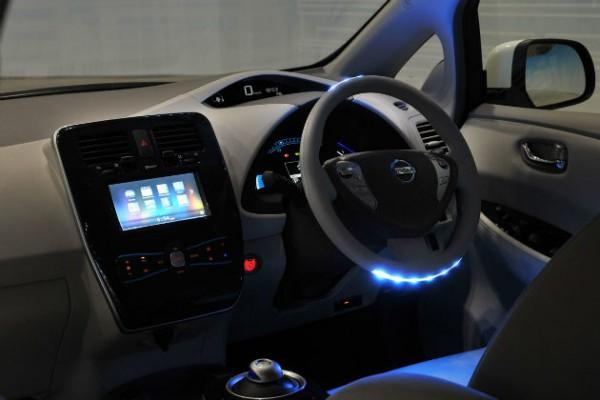 nissan-nsc-2015-interior-w630-600x400