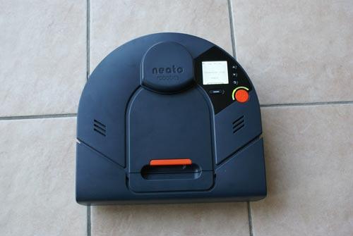 les aspirateurs robots neato en baisse le neato xv 15. Black Bedroom Furniture Sets. Home Design Ideas