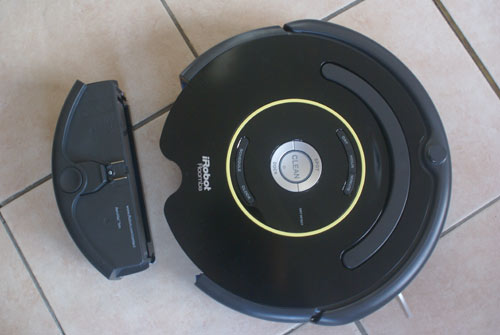 review of the vacuum cleaner robot roomba 650 series 600. Black Bedroom Furniture Sets. Home Design Ideas