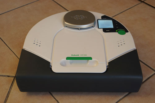 test complet de l 39 aspirateur robot kobold vr200 de vorwerk. Black Bedroom Furniture Sets. Home Design Ideas