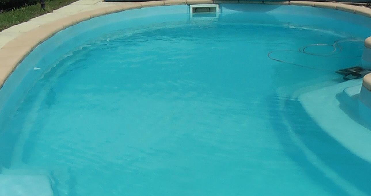 Comparatif robot piscine hayward tiger shark qc nettoyeur for Test robot piscine